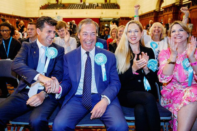 """Royaume-Uni: la victoire du Parti du Brexit renforce l'hypothèse d'un """"no deal"""""""