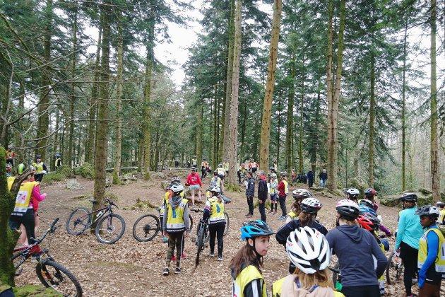 700 jeunes disputent les championnats de France de VTT à Alençon