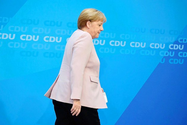 Réunions de crise pour la coalition de Merkel après un nouveau coup dur