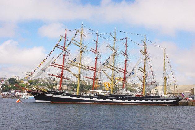 Armada 2019 : le premier bateau remonte la Seine !