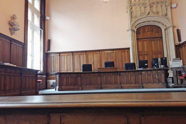 Près de Rouen, l'ex époux est accusé de violences sur son fils
