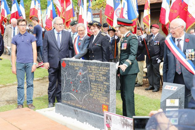 Chambois. D-Day: la Normandie honore ses libérateurs Canadiens