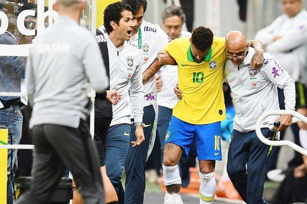 """Brésil: Neymar forfait pour la Copa America en raison de la """"gravité"""" de sa blessure"""