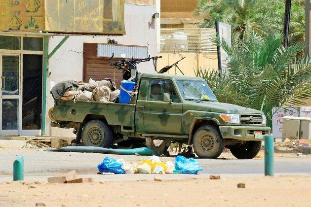 Soudan: des habitants décrivent la peur, les autorités minorent la répression