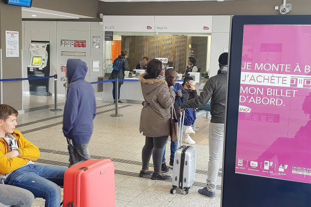 Pétition pour garder ouverts les guichets en gare d'Alençon