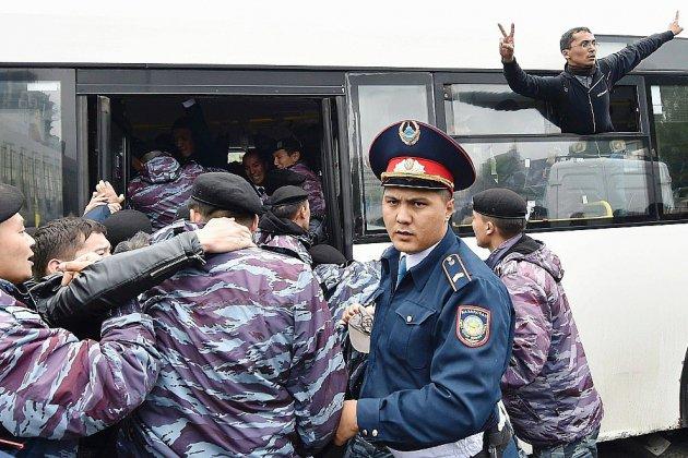 Kazakhstan: le successeur désigné élu avec plus de 70% des voix