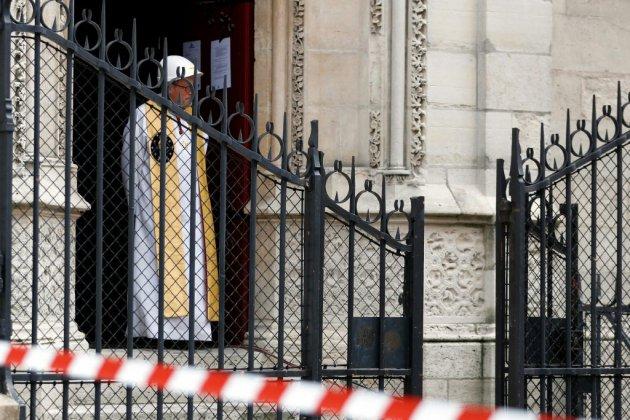 Première messe à Notre-Dame depuis l'incendie