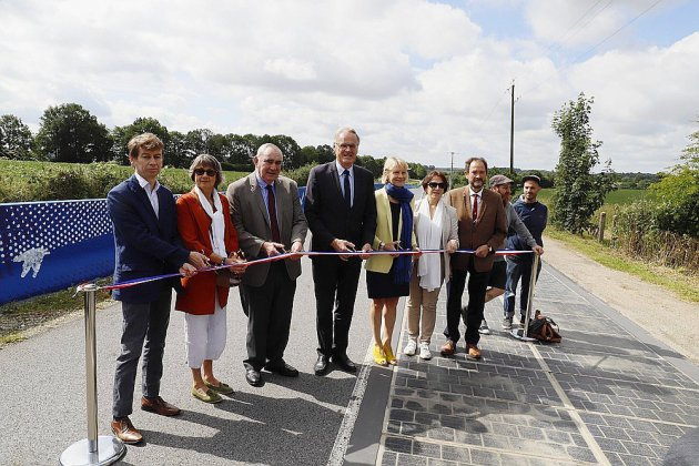 Route solaire à Tourouvre: la fresque d'un kilomètre inaugurée