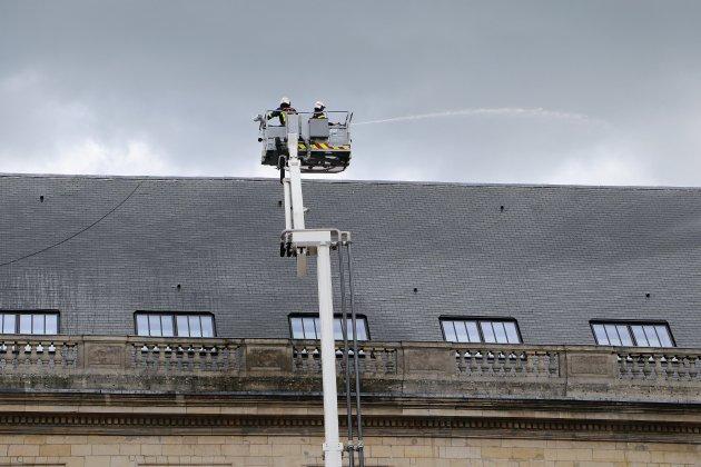 Incendie à l'hôtel de ville de Rouen: le personnel évacué