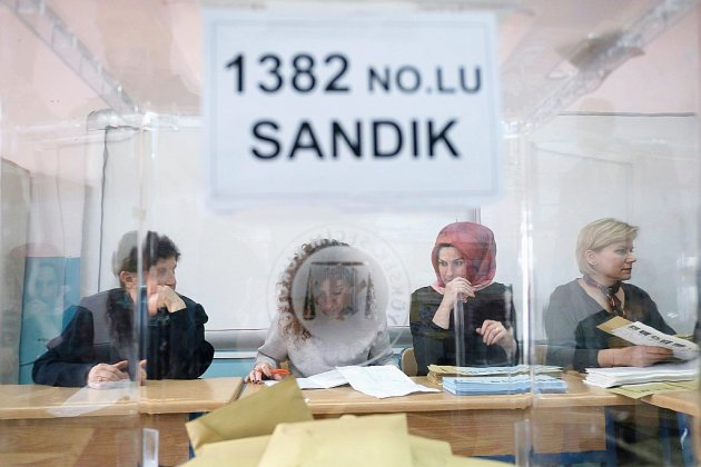 Istanbul retourne aux urnes, scrutin périlleux pour Erdogan