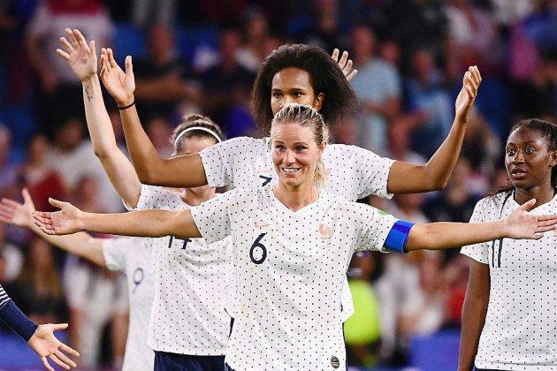 Mondial-2019: les Bleues à la fête, en attendant l'Amérique