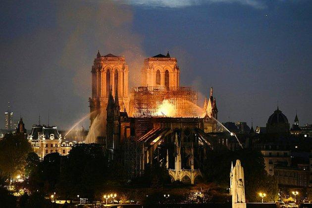 Incendie de Notre-Dame: dysfonctionnement électrique ou cigarette mal éteinte ? La piste de l'accident privilégiée