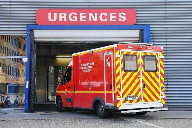 Hôpital: 21,4 millions de passages aux urgences, moins de 400 000 lits