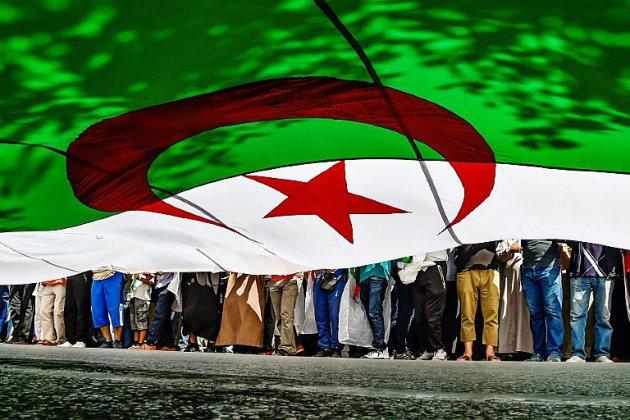 Algérie: pouvoir et contestation à l'épreuve pour le 20e vendredi de manifestations