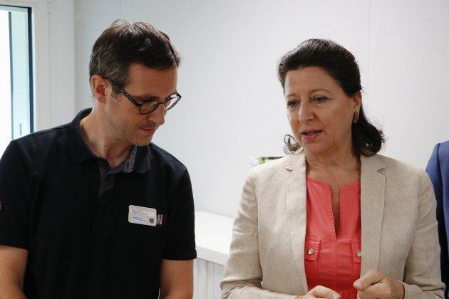 La ministre Agnès Buzyn défend le 100% santé à Rouen