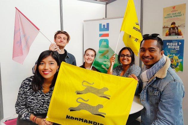 Amazing Normandy Tour: les aventures des jeunes étrangers sur Youtube