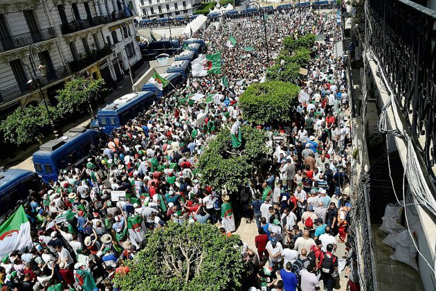 Après la fête du foot, les Algériens retournent dans la rue contre le régime