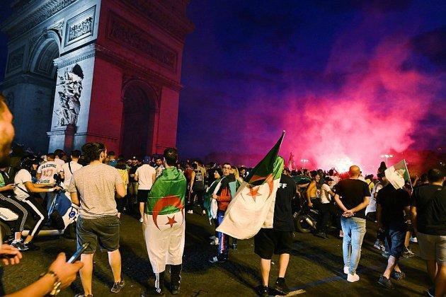 Coupe d'Afrique: les fans de l'Algérie explosent de joie, tension ou incidents à Marseille, Paris et Lyon
