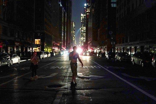 Panne d'électricité géante: le maire de New York critiqué pour son absence