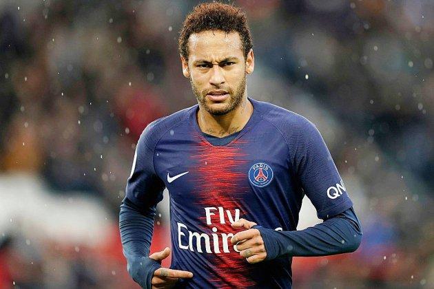 Neymar revient au PSG, dans un contexte tendu