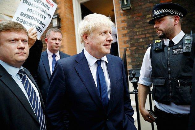 Downing Street: jour J pour Boris Johnson qui attend la consécration