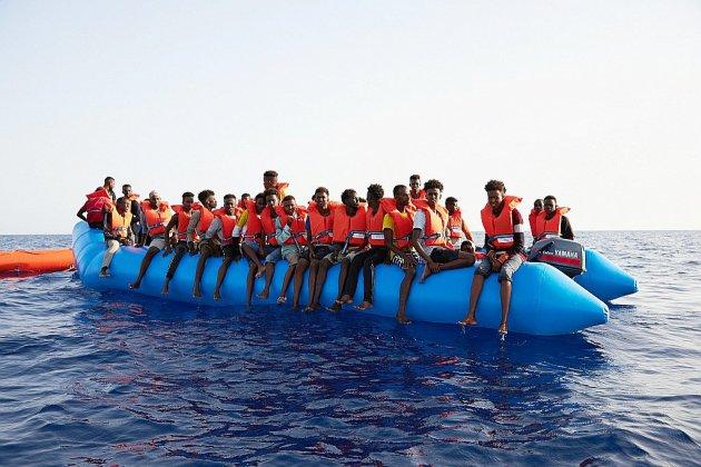 Plus de 110 migrants portés disparus après un naufrage au large de la Libye