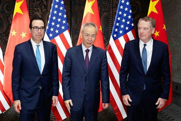 Commerce: brefs pourparlers Chine-Etats-Unis à Shanghai, après la sortie de Trump