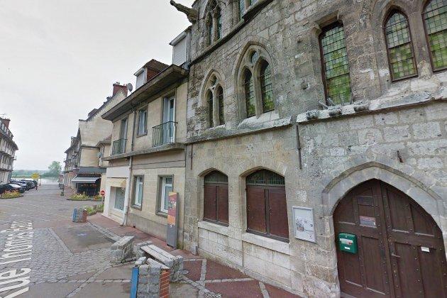 Caudebec-en-Caux installe des artisans à la Maison des Templiers