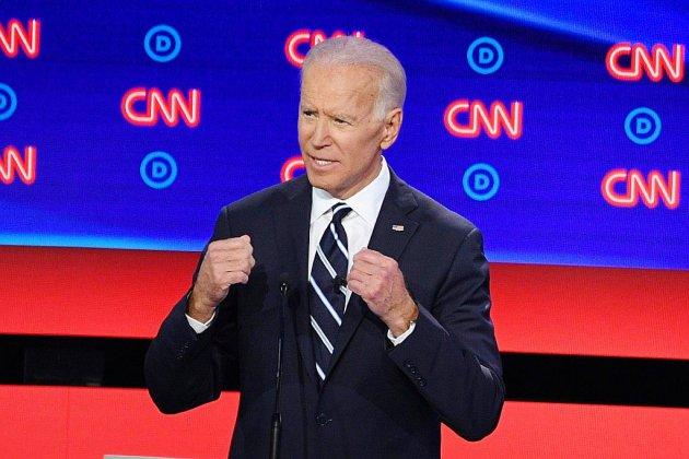 Etats-Unis: vif débat démocrate, Joe Biden attaqué de toutes parts