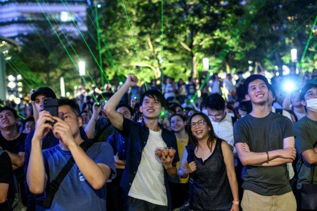 """A Hong Kong, un """"spectacle laser"""", pour manifester différemment"""