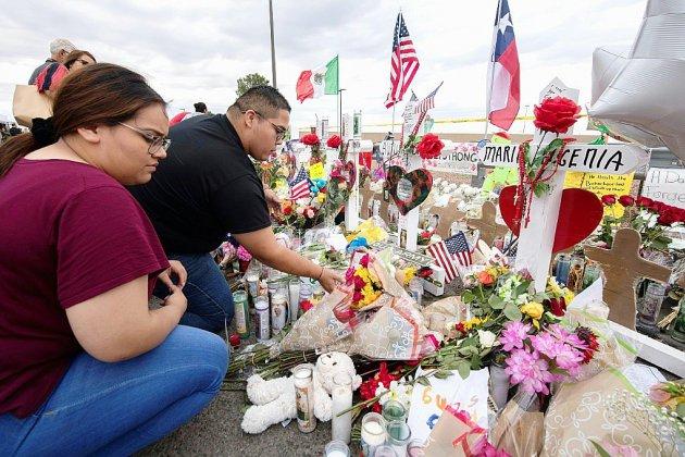 En plein deuil après les fusillades, l'Amérique toujours divisée sur les armes à feu
