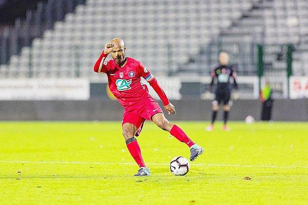 Football: une première réussie pour le FC Rouen à Lorient