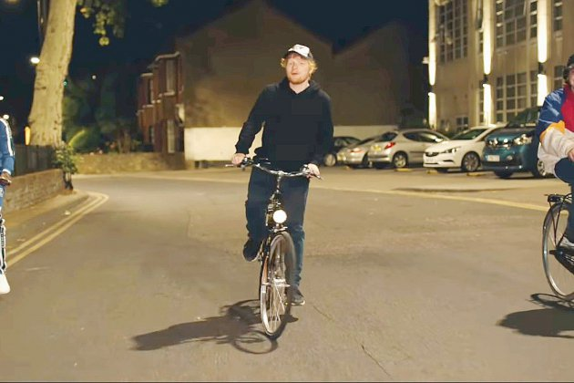 Un clip d'Ed Sheeran, à vélo dans Londres