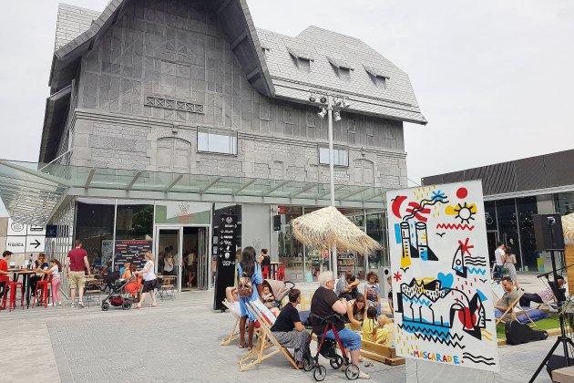 Shopping : une braderie au Honfleur Normandy Outlet