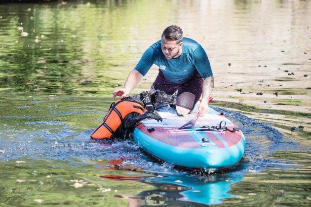 En 2020, ce Caennais traversera la France en paddle... avec sa chienne