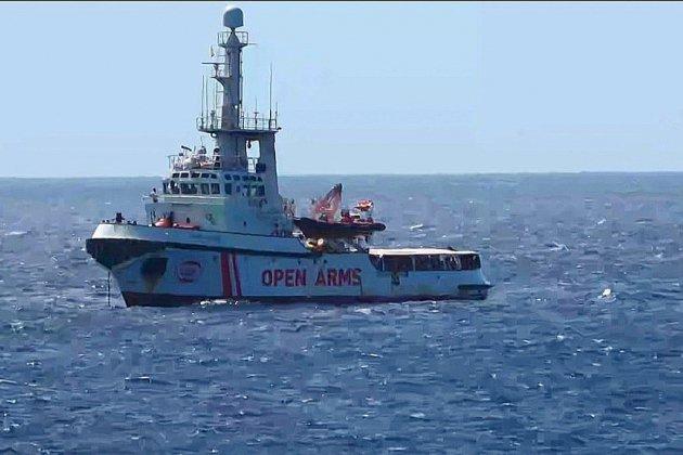 Six pays acceptent d'accueillir des migrants de l'Open Arms, Salvini contrecarré