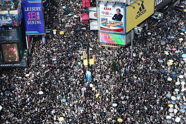 Hong Kong: week-end crucial pour les manifestants après les violences à l'aéroport