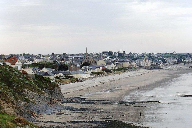 Deux communes de la Manche interdisent provisoirement baignade en mer et pêche à pied