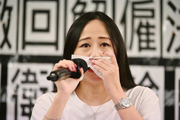 Hong Kong: Cathay accusée d'avoir licencié une hôtesse pour une discussion sur Facebook