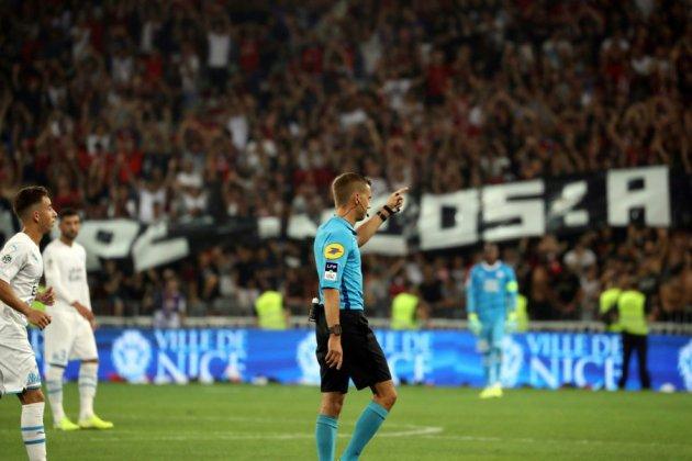 L1: Nice-Marseille interrompu pour homophobie, Lille domine Saint-Etienne