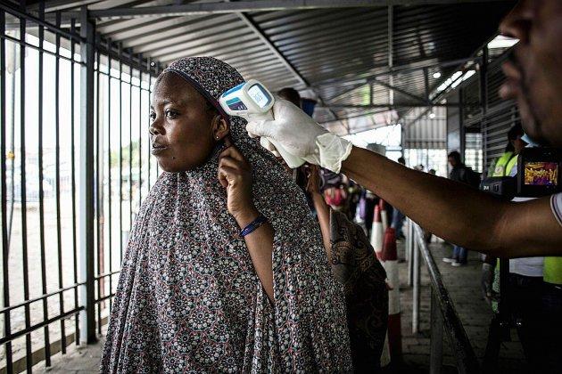 """Ebola en RDC: au cap des 2.000 décès, l'épidémie résiste toujours aux """"ripostes"""""""