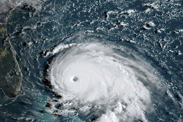 L'ouragan Dorian passe en catégorie 5, s'abat sur les Bahamas