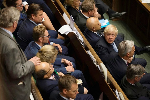 "Brexit: Johnson abandonne l'obstruction au texte anti-""no deal"""