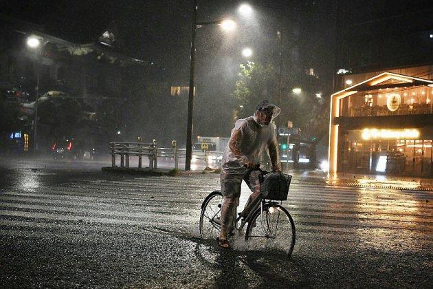 Un puissant typhon s'abat sur Tokyo