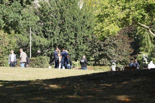 Jardins de l'hôtel de ville: le corps d'un homme nudécouvertà Rouen