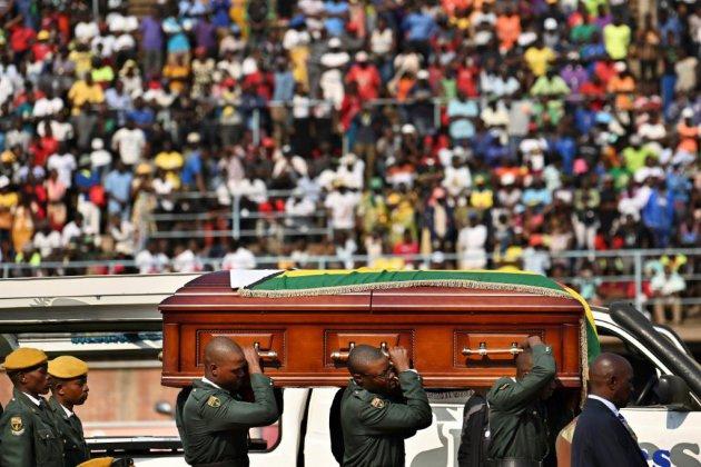 """Zimbabwe: Mugabe sera finalement enterré avec les """"héros"""" de la nation à Harare"""
