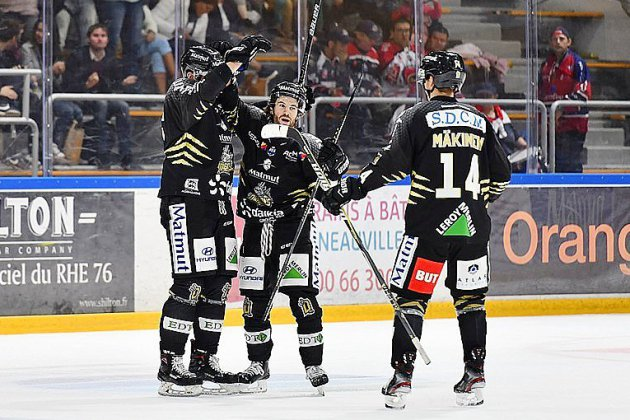 Hockey sur glace: les Dragons battent Chamonix et prennent la tête du classement