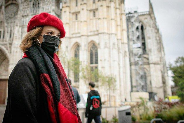 A Rouen, l'incendie de l'usine chimique éteint, les inquiétudes demeurent