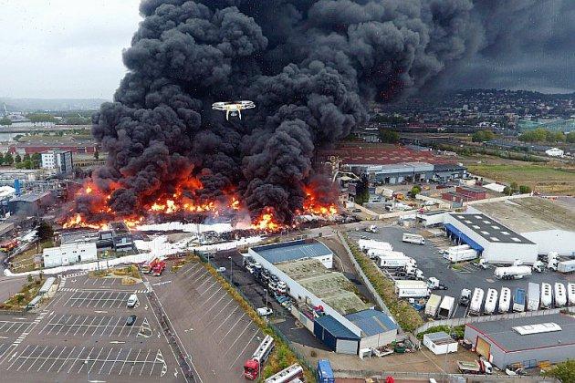 """Incendie de Lubrizol: """"On comprend bien que les gens soient angoissés"""""""