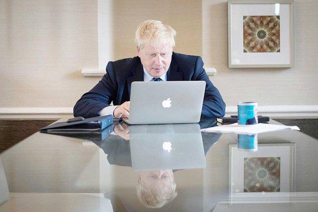 """Brexit: Boris Johnson dévoile son """"offre finale"""", et son ultimatum à l'UE"""